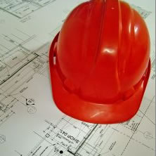 Bauplan mit roten Helm©Stadt Rhede